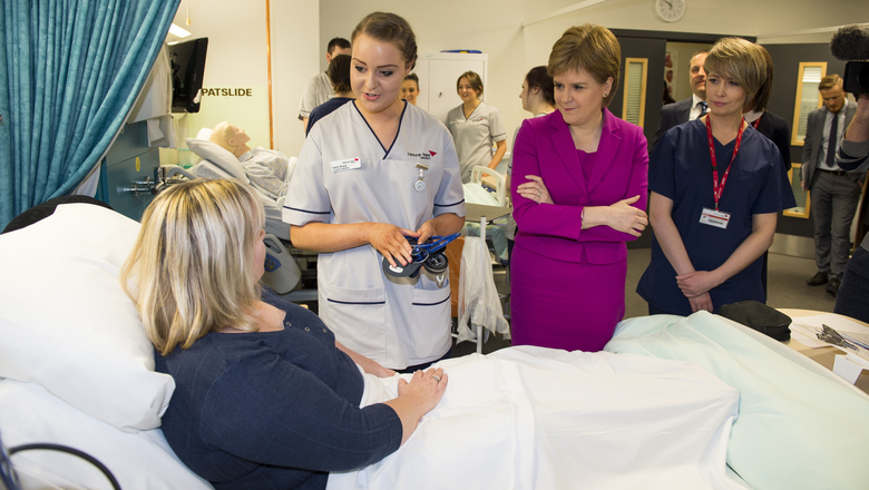 First Minister Nicola Sturgeon visitng the Clinical Skills Suite