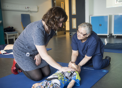 Learning resuscitation of child at first aid course | Edinburgh Napier University